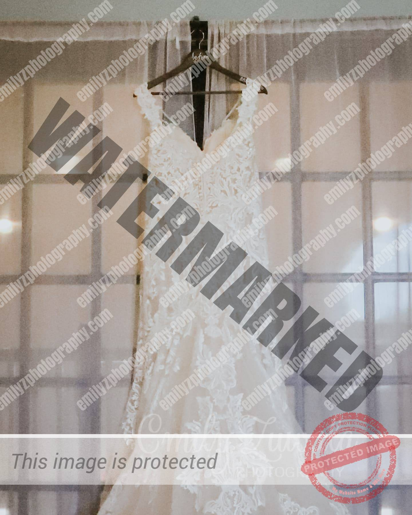 I still can't get over this dress  literally so gorgeous!! Just look at the deta...